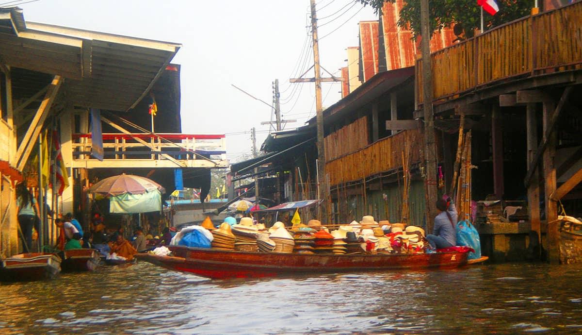 Необычняа экскурсия на реку Квай в Паттайе