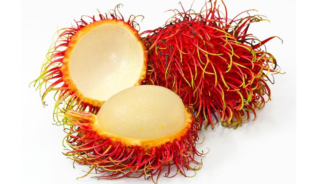 Необычный волосатый рамбутан фрукт