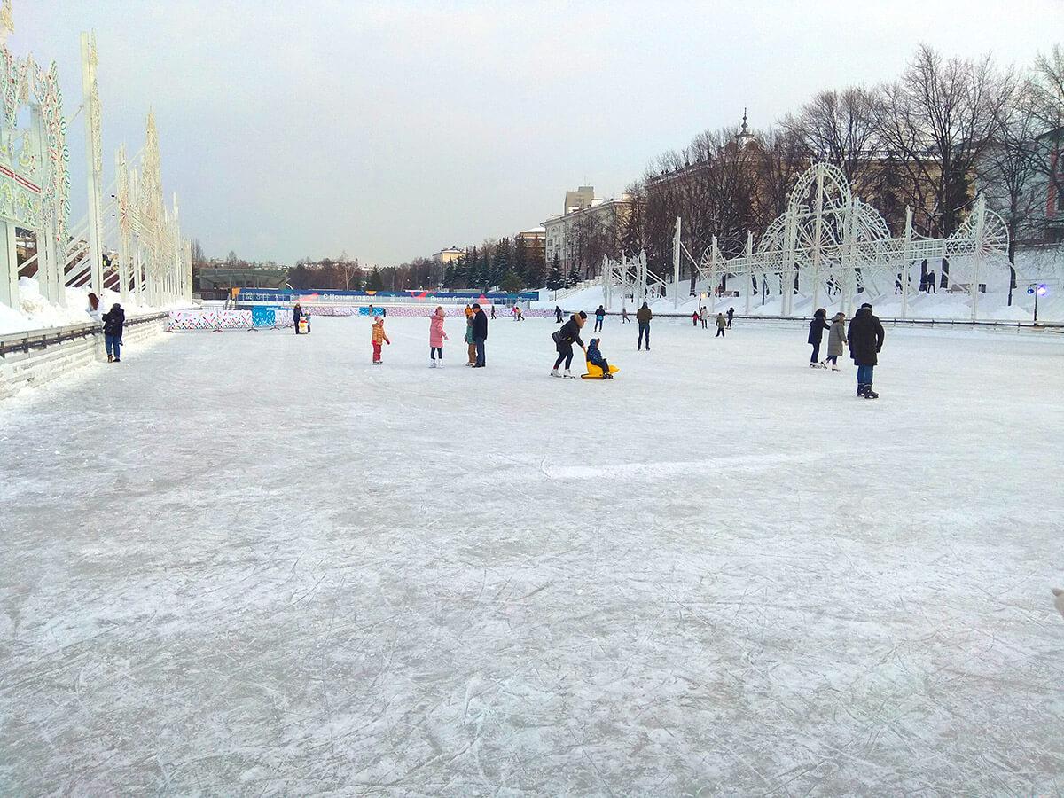 Каток Черное озеро в Казани