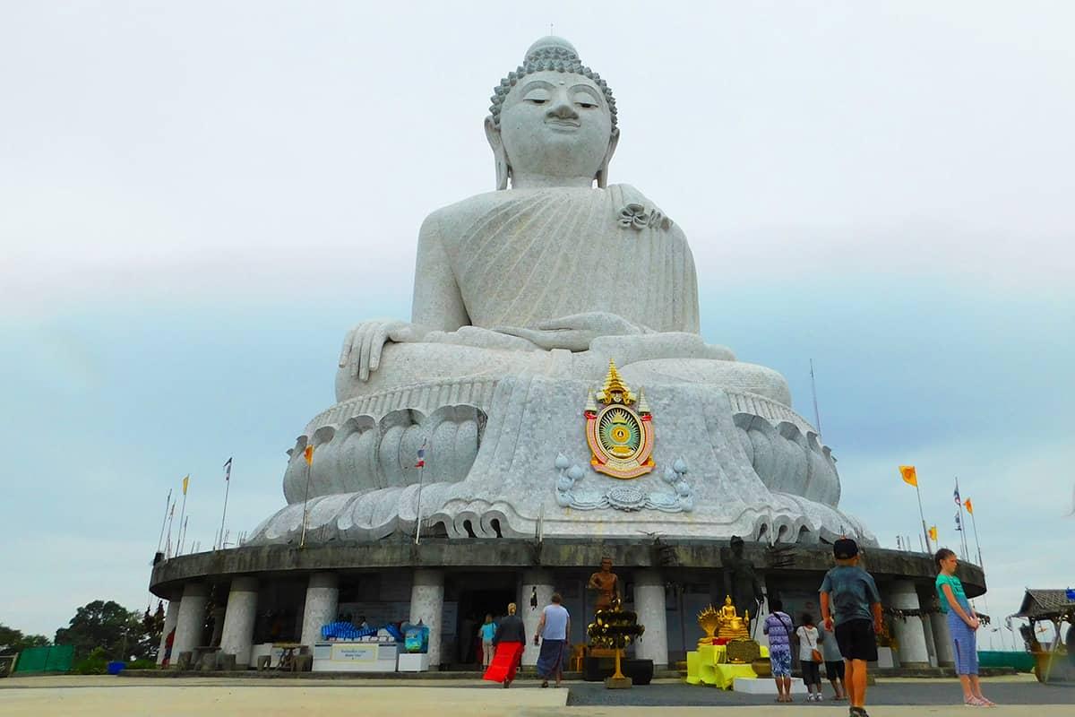 Биг Будда на Пхукете на вершине горы