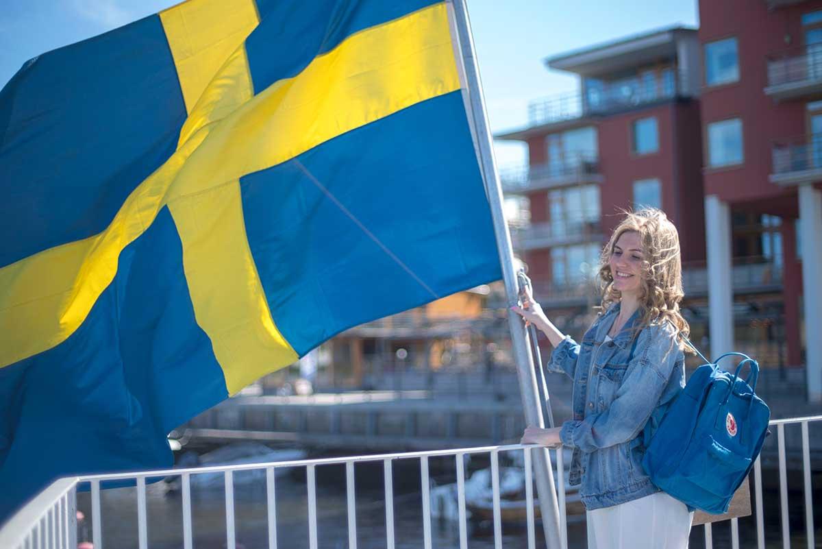 Русская девушка рассказывает как переехать в швецию
