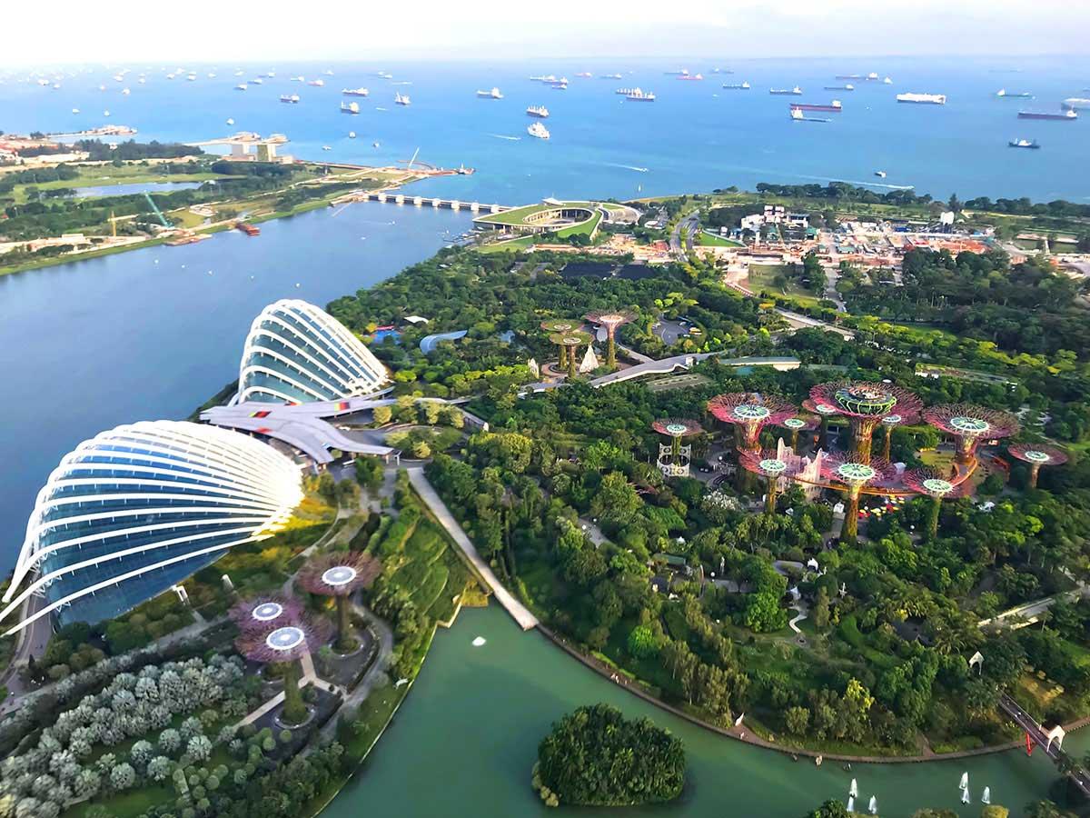 переехать в Сингапур из России достаточно сложно
