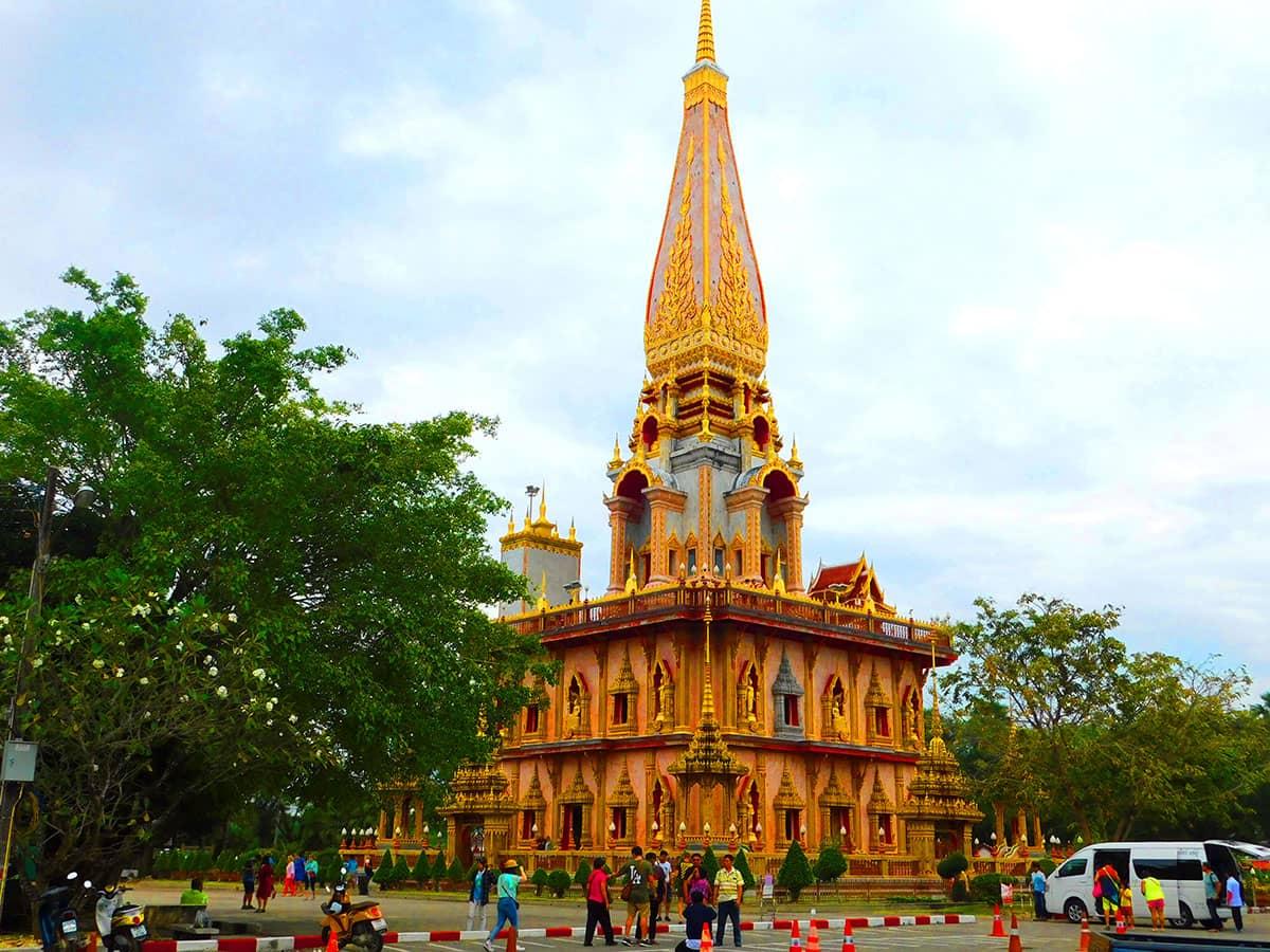 Сказочный Храм Ват Чалонг на Пхукете