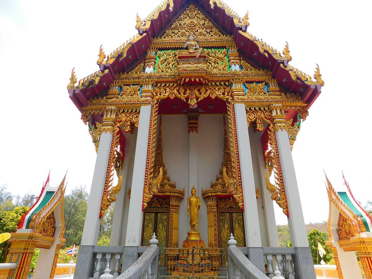 Сказочный Храм Ват Най Харн