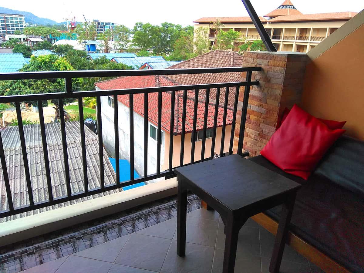 Балкон в Baan Kata Maytha