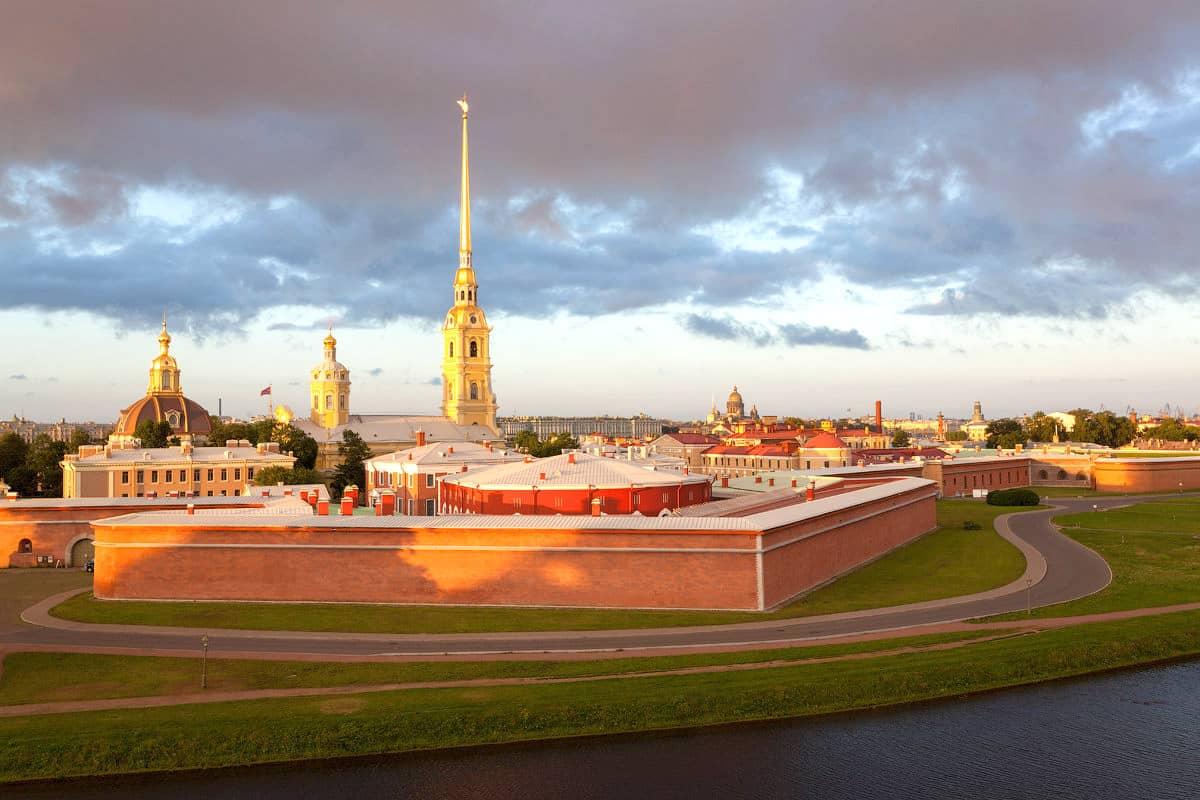 Петропавловская крепость в Питере