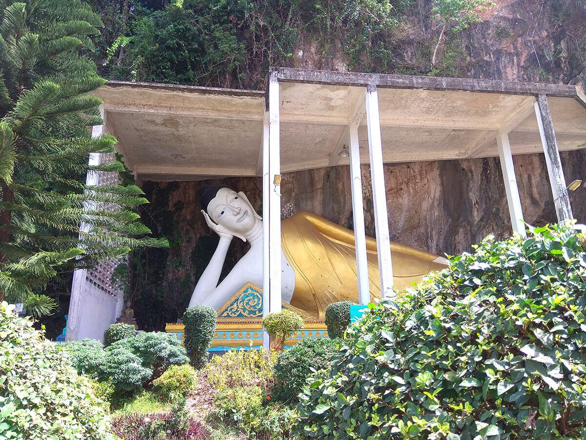 Храм Лежащего Будды на Краби