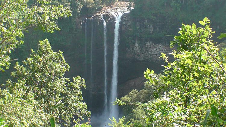 водопад лаоса