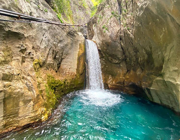 сападере каньон водопады
